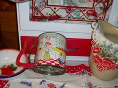 Vintage Androck Homemaker 50's metal sifter Treasury by raggedy10