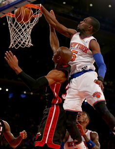 Knicks' Tim Hardaway Jr. skies over Heat's Ray Allen for putback dunk | The Point Forward - SI.com