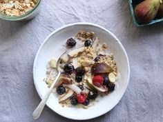 Breakfast of the Month: Toasted Muesli with Coconut #plantogram #healthfood
