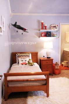 Toddler room - orange & gray/blue