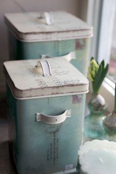vintage containers...for washing powder. Looks nice in laundry room