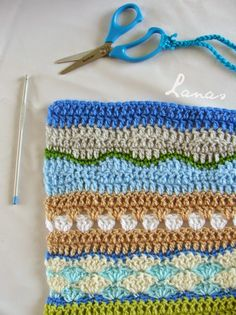@ Lanas de Ana: FANTASY: New Stitches - free charted patterns for the different rows of Sand and Sea Blanket