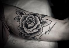 Tattoo by Ien Levin - Send me to Ukraine so I can have this duplicated.