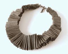 textile necklace, textile jewelry, ruffle fashion, ruffle collar, avant garde, modern necklace, fashion jewelry, driftwood pantone