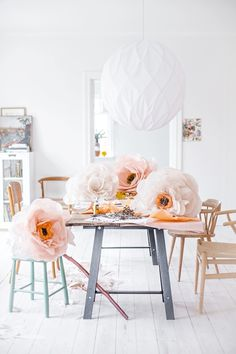 loving these paper flowers