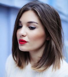 mid-length hair and red lips