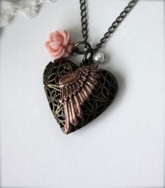 lockets, steampunk locket, thing steampunk, steampunk heart, pearl necklaces