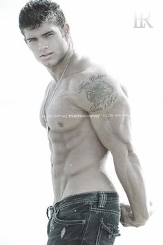 Colin Wayne, male fitness model | © Luis Rafael ► www.facebook.com/luisrafael4photos # pecs six pack abs hunk men nice arms bare chest hot guy male body shirtless musculoso