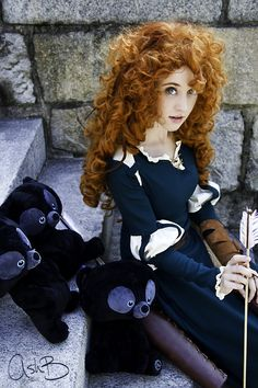 cute Merida Cosplay; the little bears are adorable.