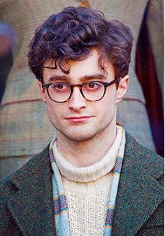 "You know, it's weird how much he doesn't look like Harry Potter here. Daniel Radcliffe on the set of ""Kill Your Darlings."" (click for more pictures) o-o"
