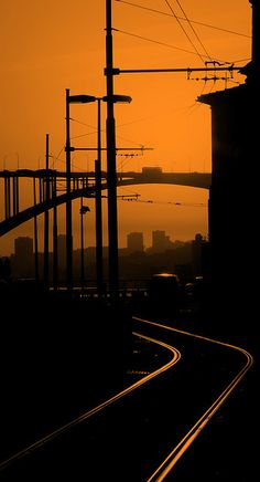 PONTE by Pedro Loza via Flickr // O pôr do sol estava lindo...