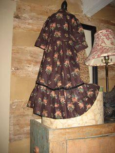 EARLY DOL DRESS-JOAN LUCAS ANTIQUES