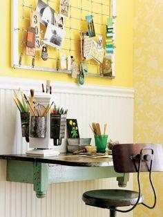 Interesting desk idea with small space