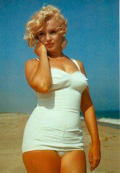 Marilyn Monroe + Beach