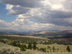 Yellowstone Landscape - Beautiful photos of Wyoming
