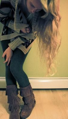 Minnetonka Triple Fringe Boot + large cozy sweater. I have all of these in my closet, thank you Pintrest for designing an outfit!