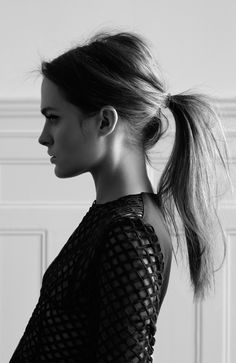 LE FASHION BLOG BEAUTY HAIR POST HIGH MESSY PONYTAIL WITH BUMP MARIO SCHWAB MESH TOP OPEN KNIT SWEATER PHOTOGRAPHER OLIVIA BEASLEY HAIR INSP...