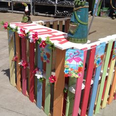 Pallet Bar: This would make a really cute Lemonade Stand too!