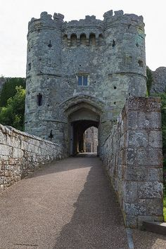 Carisbrooke Castle - Newport, England