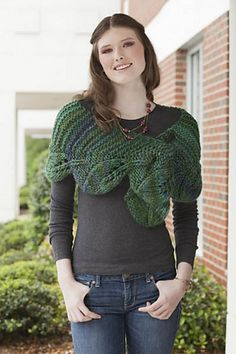 Leaves Shawlette pattern by Amy Gunderson