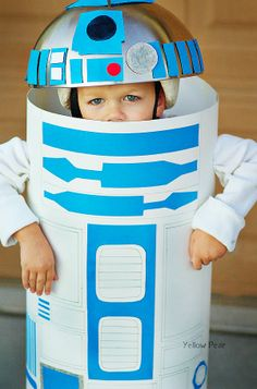 Adorable R2D2 costume.