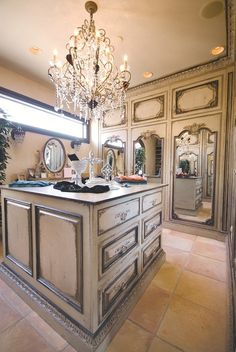 Would love to be getting ready in this dressing area.  all the king's houses & all the king's men