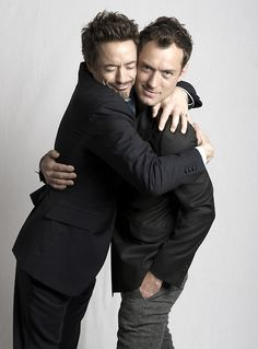 Robert Downey Jr. and Jude Law - Robert's face is priceless :D