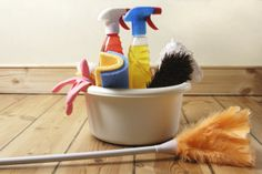 Make Your Own: 5 Easy Green Cleaners #DIY
