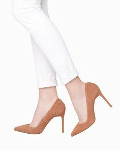 Love pointed toe heels