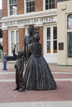 Rediscover the Land of Lincoln: Refresh and remind yourself of the great political lineage in Illinois