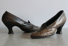 Antique 1920s Shoes High Heels Golden Leather by VeraVague