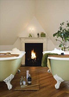Bed & Breakfast Inn, two tubs with a fireplace!