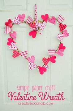 Simple paper craft Valentine wreath tutorial. Repin and share the love!