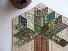 Table Quilt - Quilted Table Topper - Quilted Table Mat Candle Mat tree. TOO CUTE