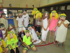 My 3rd grade students made these Greek drama masks for their mask parade! Lesson by art teacher: Susan Joe