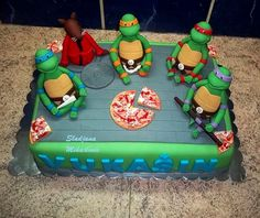 Cool Teenage Mutant Ninja Turtles cake :)