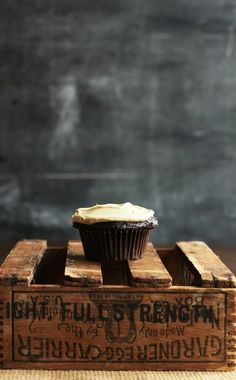 ... stout cupcakes with espresso frosting ...
