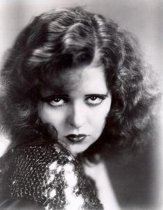 The roaring 20s speakeasy fashions: fiction vs photos #vintage #1920s #prohibition