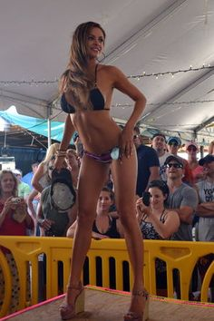 Contest wallpaper Bikini
