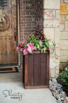 DIY cedar planter boxes...LOVE these!