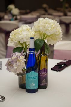 Cute (and easy to make!) centerpieces for a vineyard wedding! Love! {Haak Vineyards & Winery}