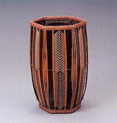 prior pinner: Hexagonal flower basket with arrow feather design.   HAYAKAWA Shokosai