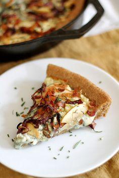 Caramelized Apple, Bacon and Blue Cheese Pan Pizza | girlversusdough.com