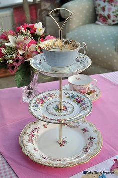 Teacup cake/cookie stand!