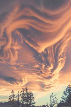 Asperatus Clouds Over New Zealand.