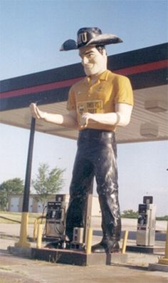 The Big Man - This gas station was on Old 40