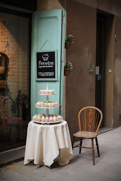 bakery 烘焙屋 by loganweiluo, via Flickr