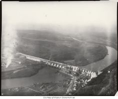 The construction of Bagnell Dam.