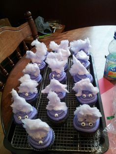 purple minion party ideas, minion cake diy, cupcake cakes, purpl minion, purple minion cupcakes, minion snacks