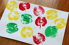 How to Make Apple Prints: perfect fall crafts to use all those extra apples from the orchard! Apple printing would be a fun back to school activity, too. | AllFreeKidsCrafts.com